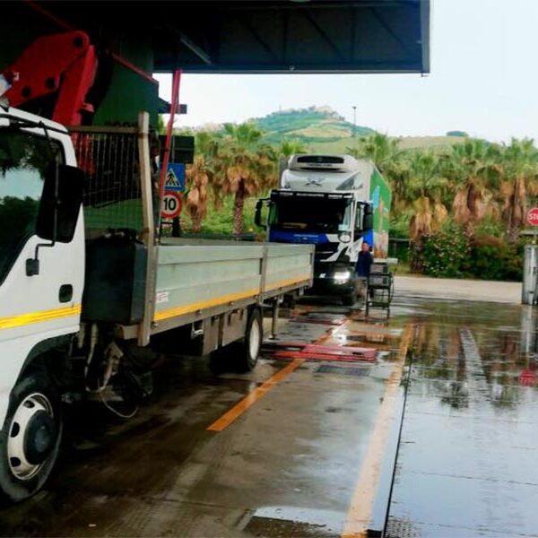 revisioni truckmobil noleggio piattaforme aeree marche ascoli piceno fermo